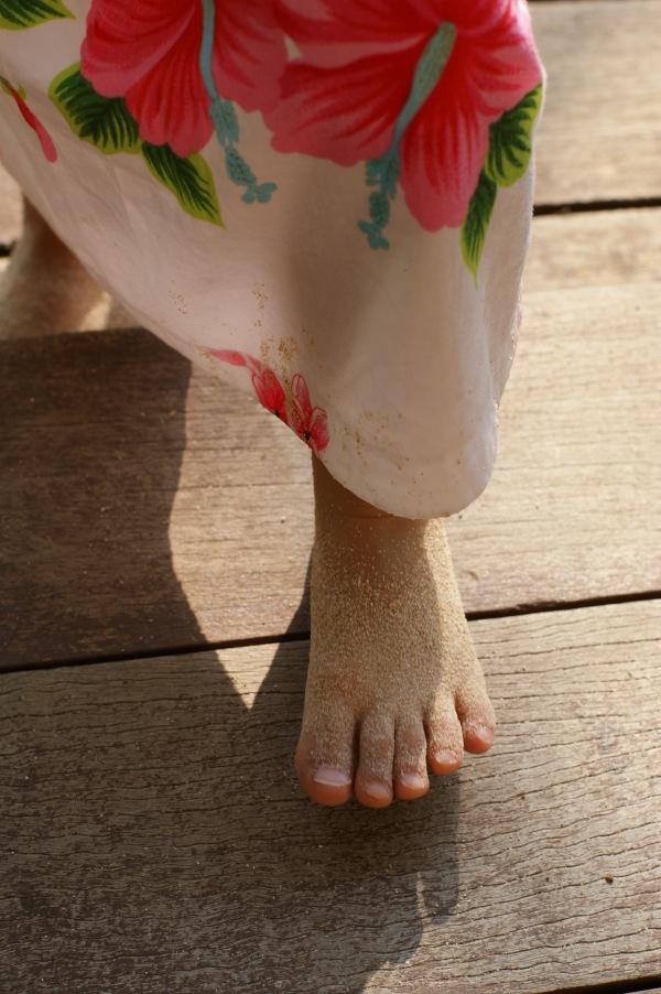 ルネッサンスリゾート沖縄での娘の足